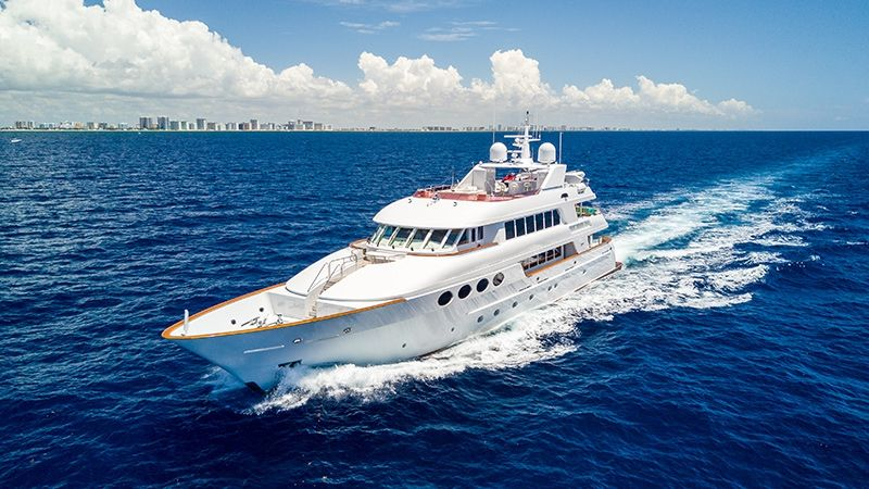 RELENTLESS - Trinity 145 - 5 Cabins - Bahamas - Nassau - Paradise Island - Florida - Fort Lauderdale - Miami