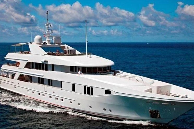 Charter Yacht RHINO - Admiral Marine 154 -  5 Staterooms - Nassau - Bahamas - St Maarten - St Barths - NIce - West Mediterranean