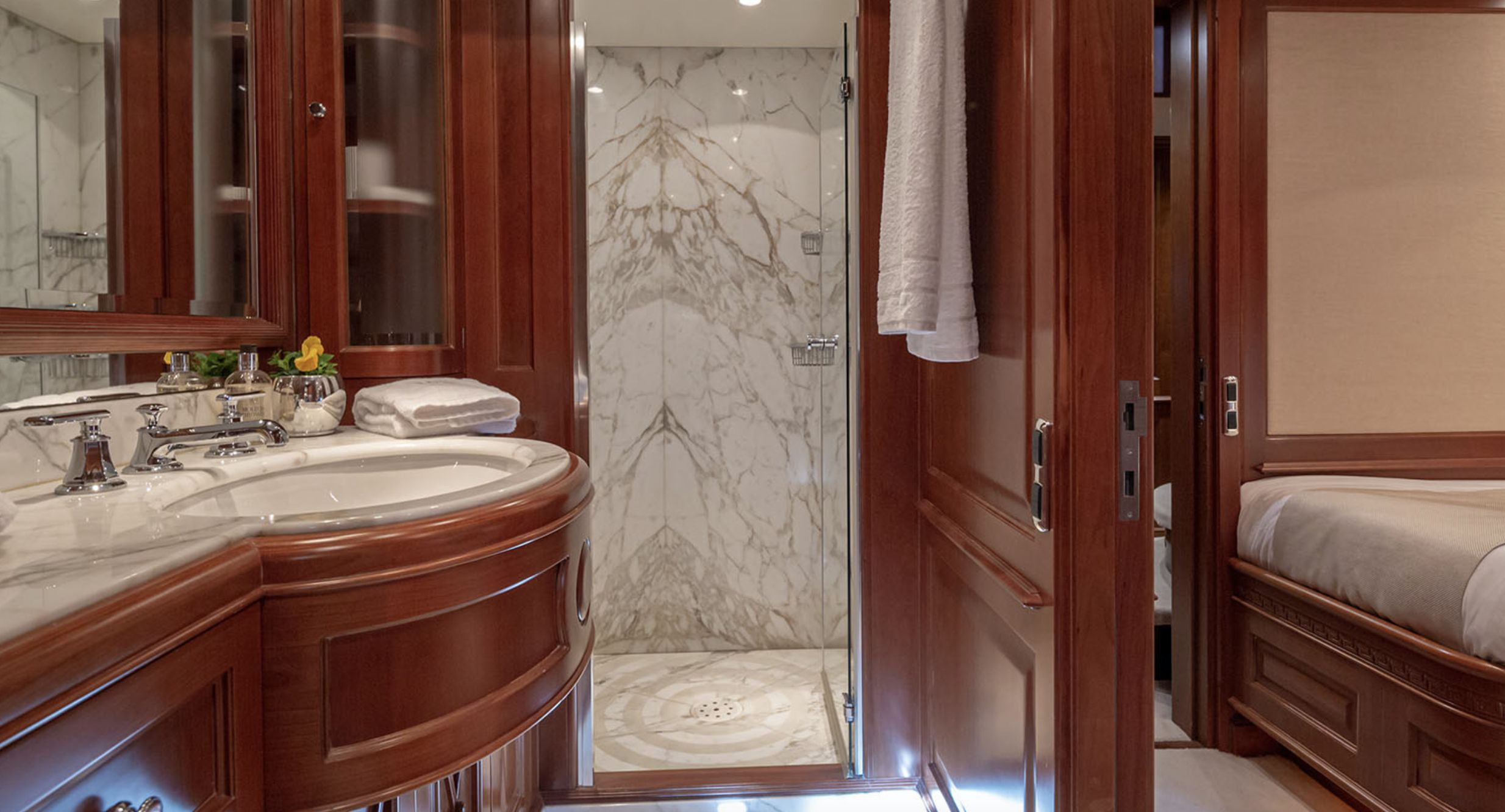 RIVA Benetti 120 Classic Bathroom
