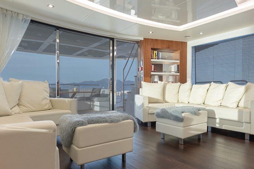 Sunseeker 86 Yacht RUSH X Salon