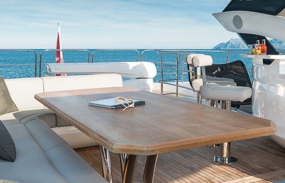 Sunseeker 86 Yacht RUSH X Aft Dining