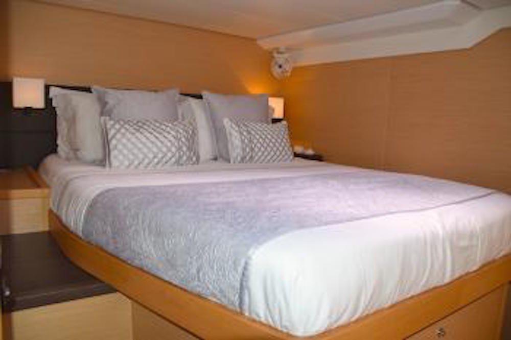 SANDISEAS - Lagoon 62 - Queen Berth Guest Suite