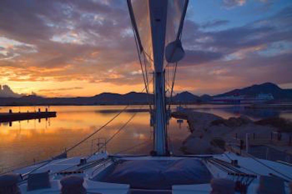SANDISEAS - Lagoon 62 - Foredeck Sunset