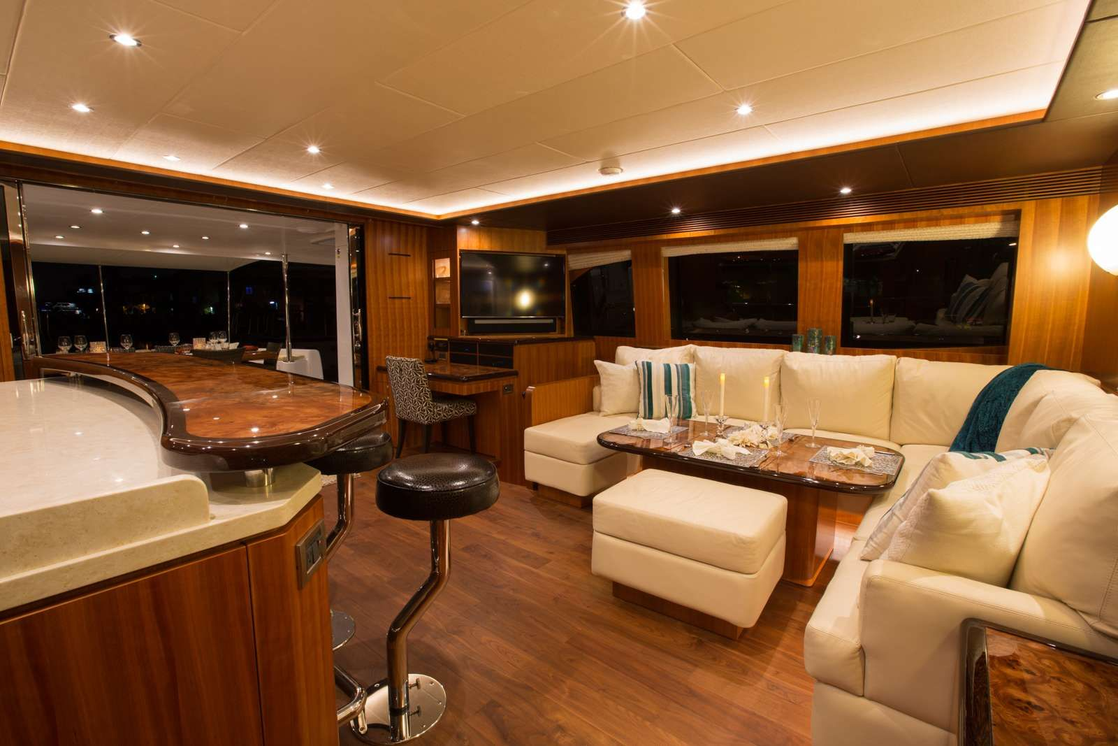 Horizon 60 SEA BOSS Living Room