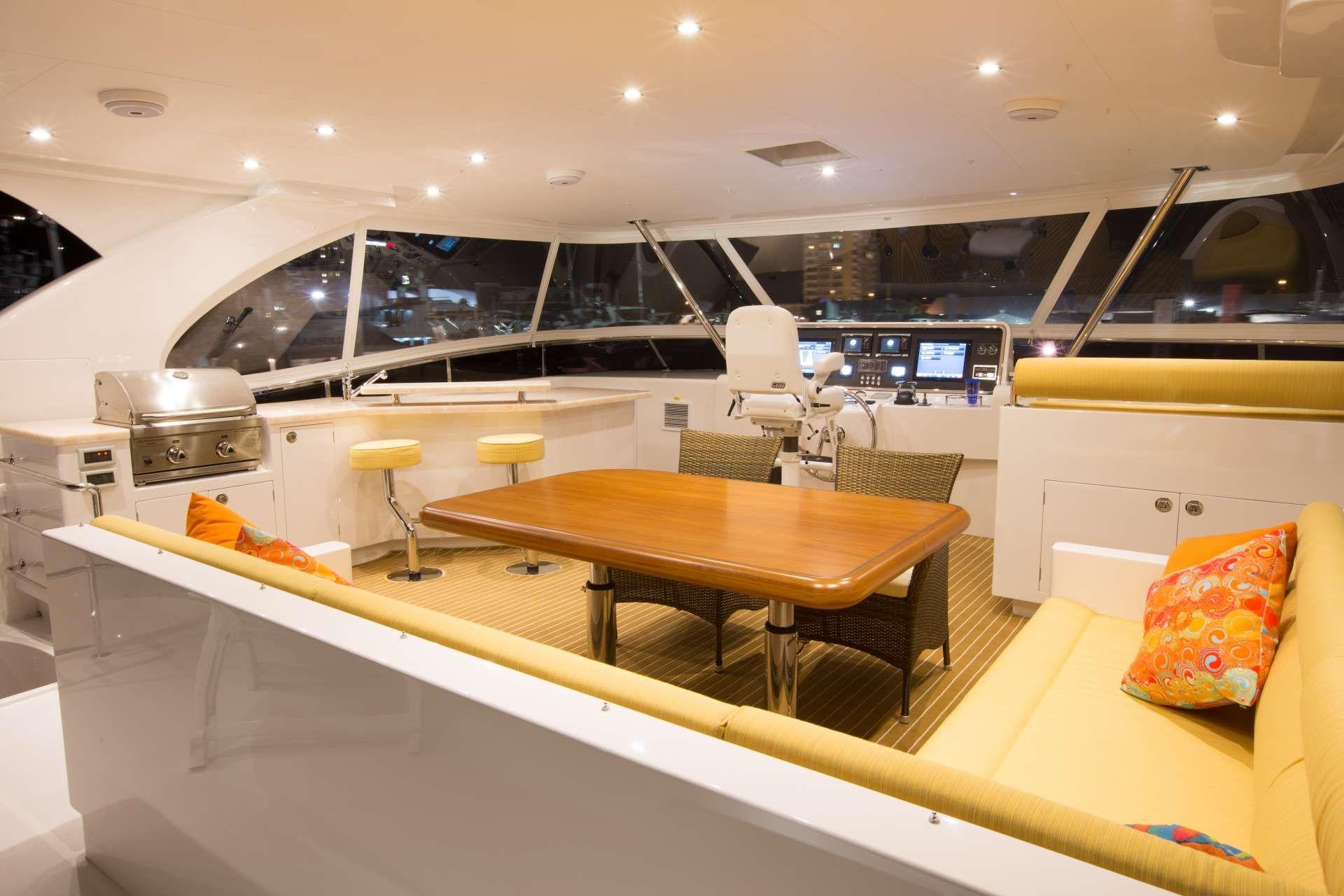 Horizon 60 SEA BOSS Flybridge Bar