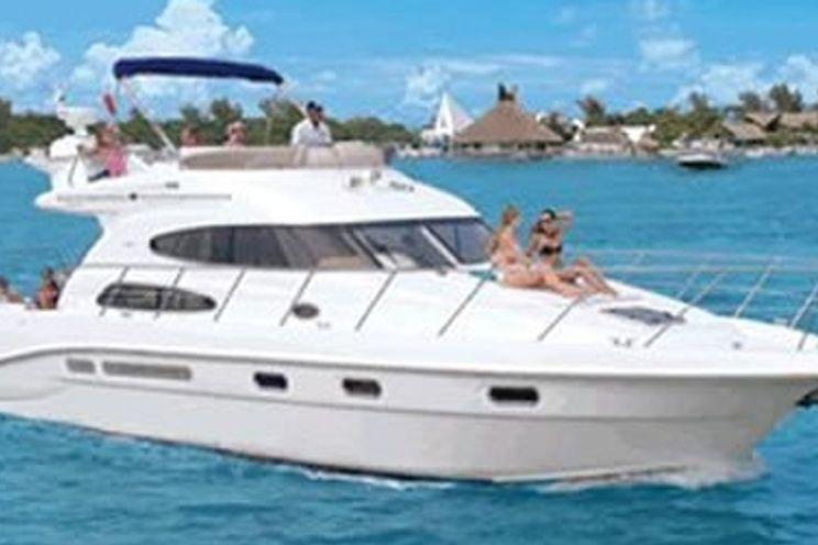 Charter Yacht Sealine 47 - 2 Cabins - Cancun - Isla Mujeres - Playa Del Carmen