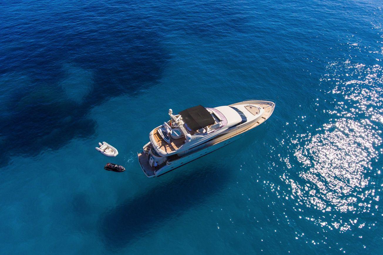 SERAPH Mochi Craft Crewed Motoryacht Aerial View