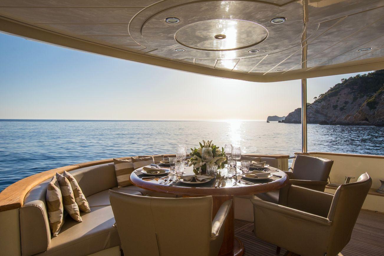 SERAPH Mochi Craft Crewed Motoryacht Al Fresco Dining