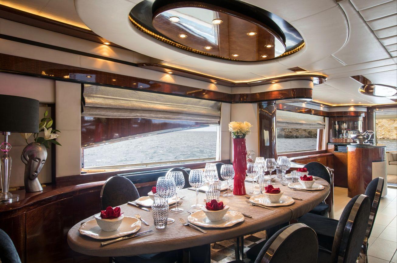 SERAPH Mochi Craft Crewed Motoryacht Dining