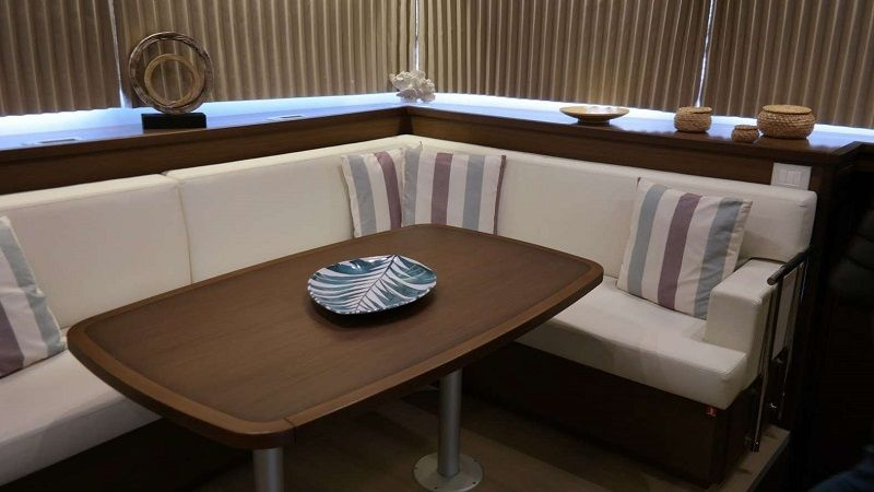 saloon dining table