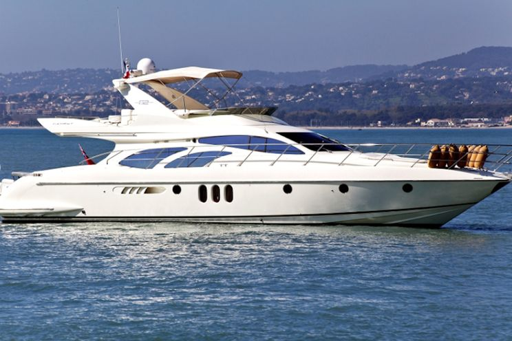 Charter Yacht SO CHIC - Azimut 62 E Fly - Day Charter - Golfe Juan - Cannes - Antibes - St Tropez