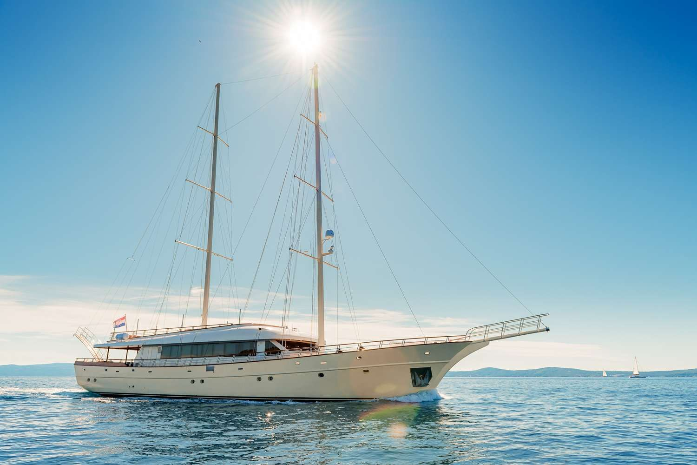 SON DE MAR - 45m Custom Motor Sailer - 6 Cabins - Split - Hvar - Dubrovnik