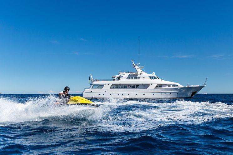 Charter Yacht STAR OF THE SEA - Benetti 34m - 6 Cabins - Bequia - Grenada - Grenadines