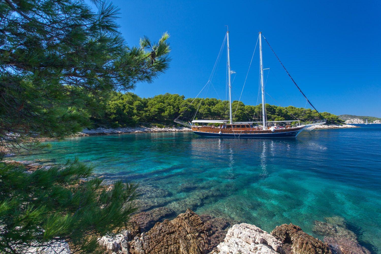 STELLA MARIS - 38m Gulet Motor Sailor - 8 Cabins - Split - Kastela - Trogir - Dubrovnik