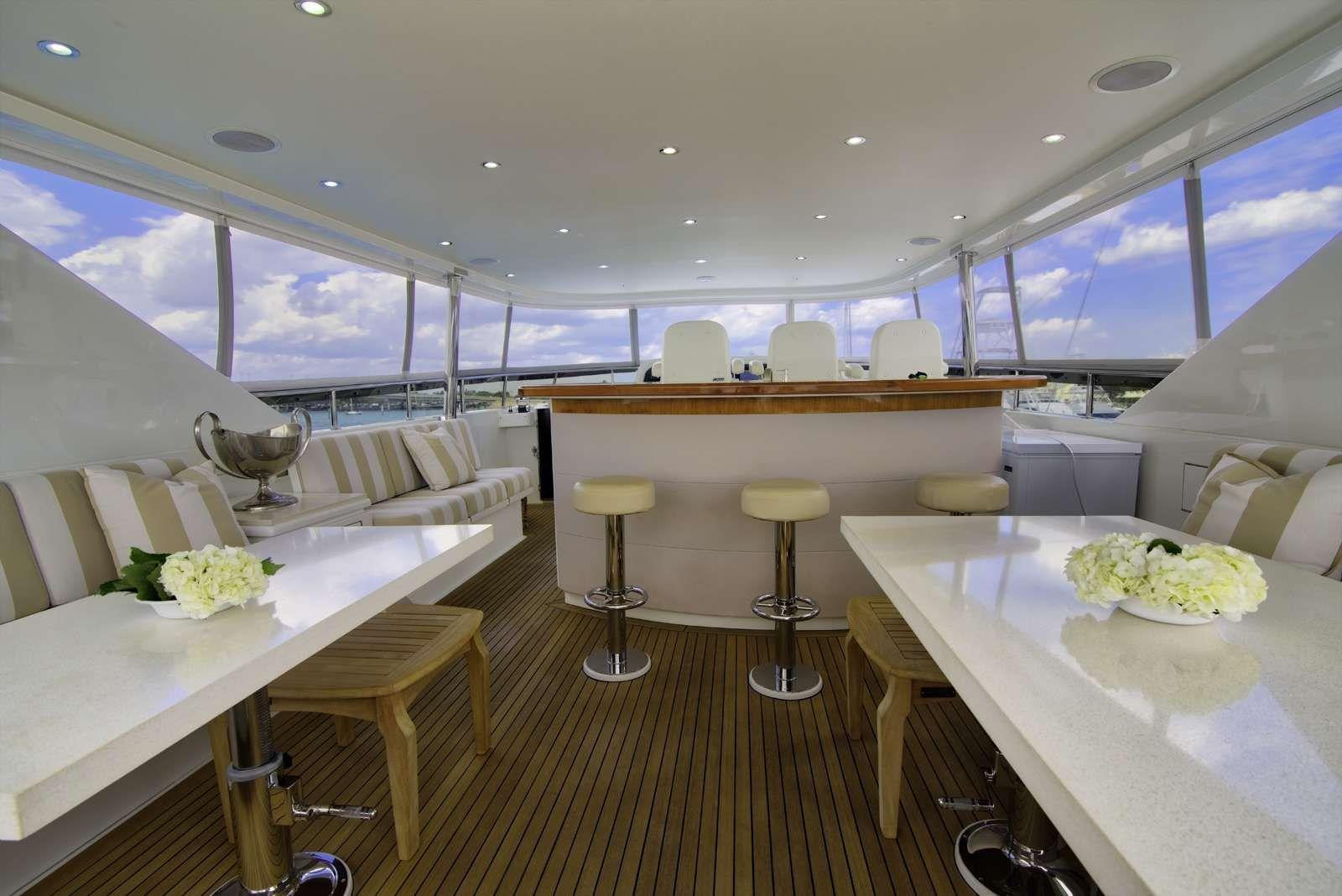 STERLING V Yacht Fly