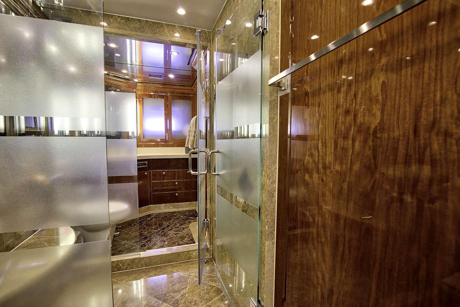 STERLING V Yacht Master Shower