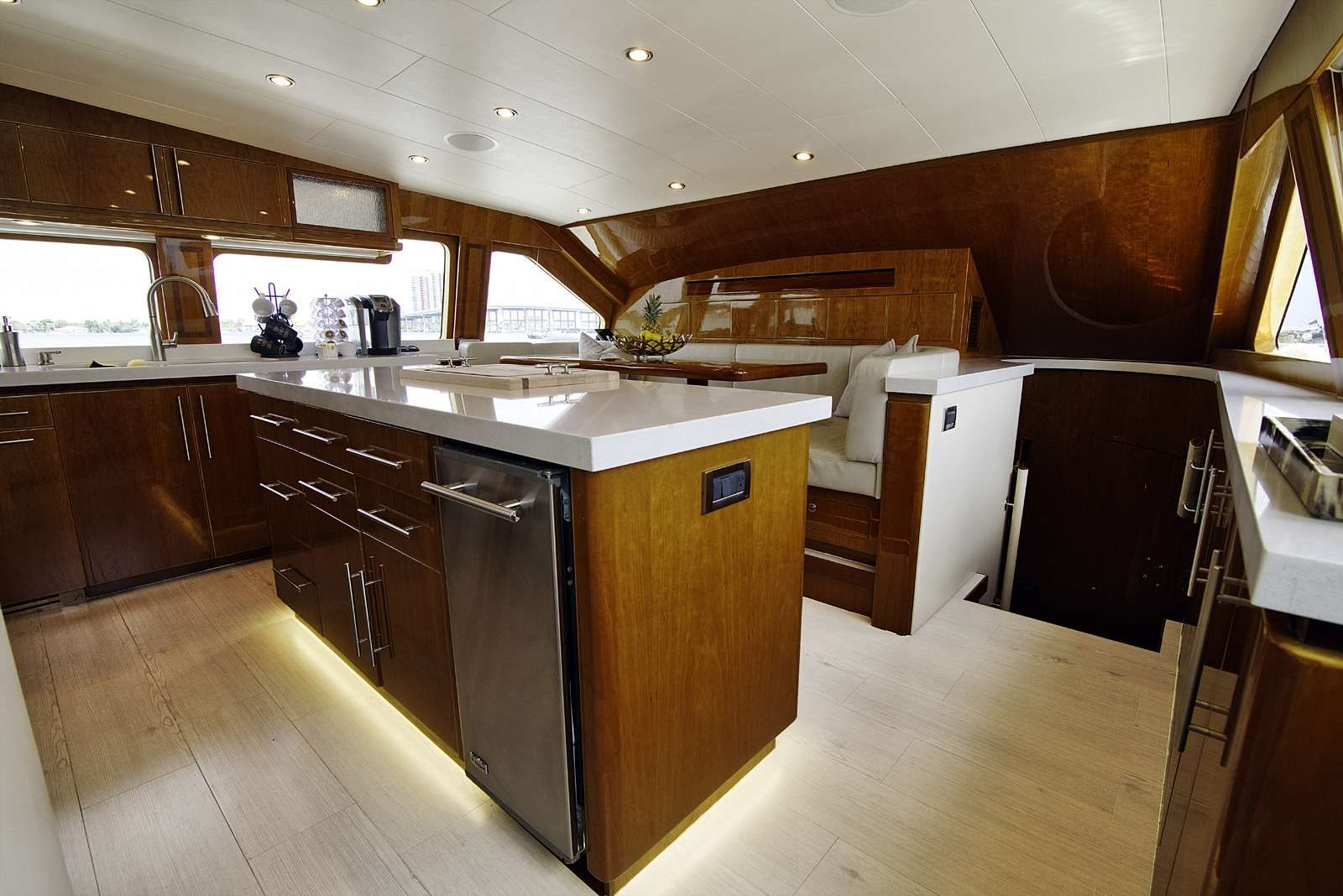 STERLING V Yacht Country Kitchen