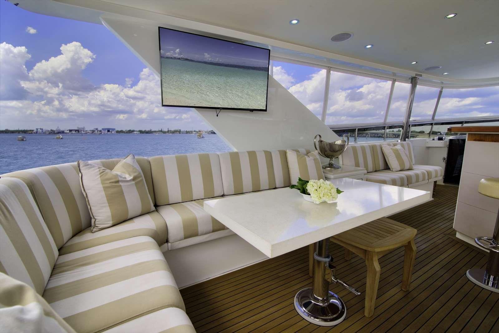 STERLING V Yacht Flybridge Seating