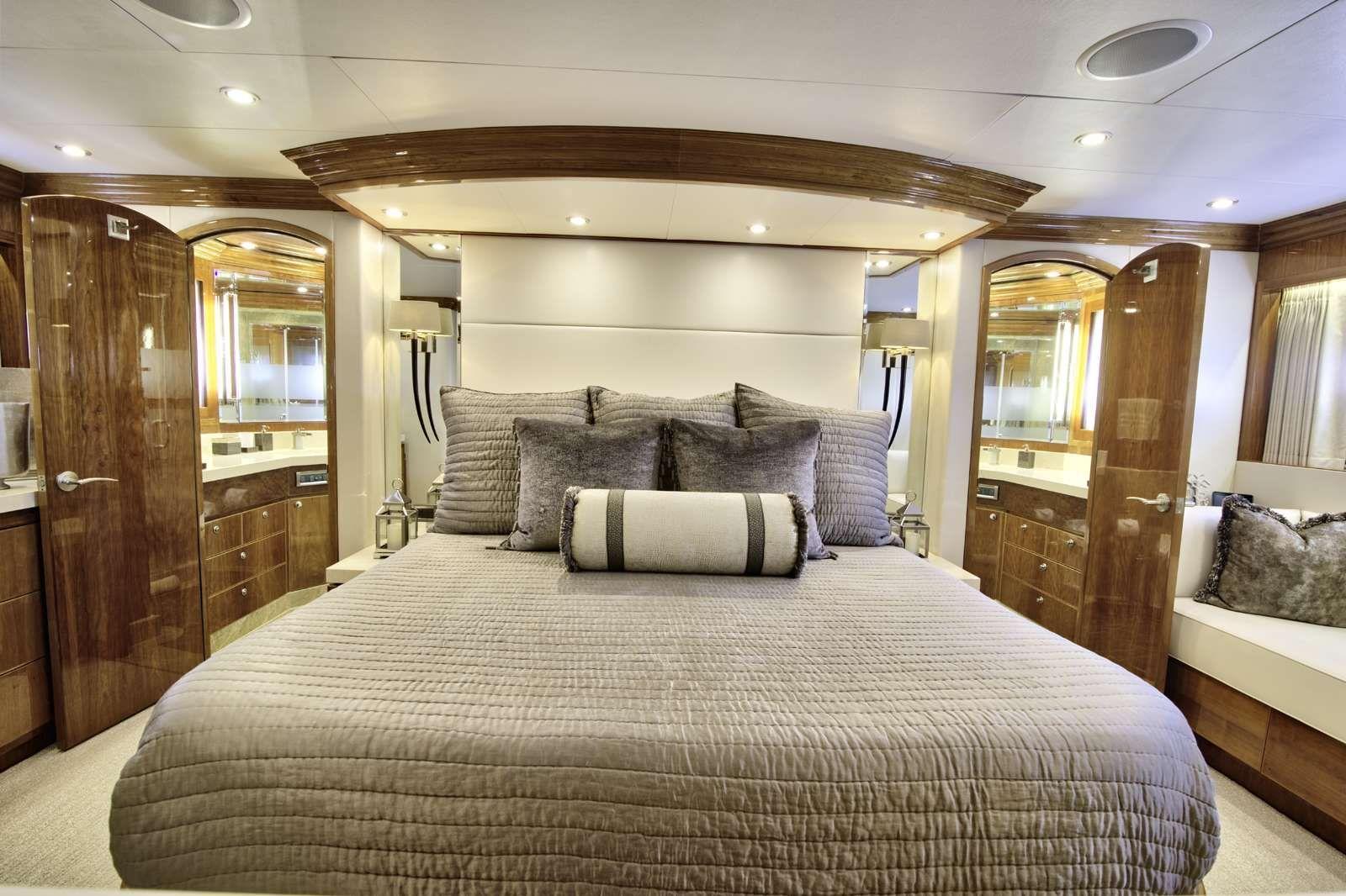 STERLING V Yacht Master Suite