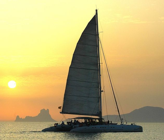Sun Cat 22 - Day Charter - Event Catamaran for Up to 100 guests!