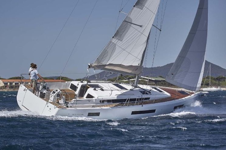 Charter Yacht Sun Odyssey 440 - 2021 - 4 Cabins (4 double) - Skiathos - Volos - Athens