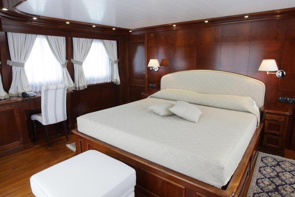 TANANAI Yacht Master Cabin