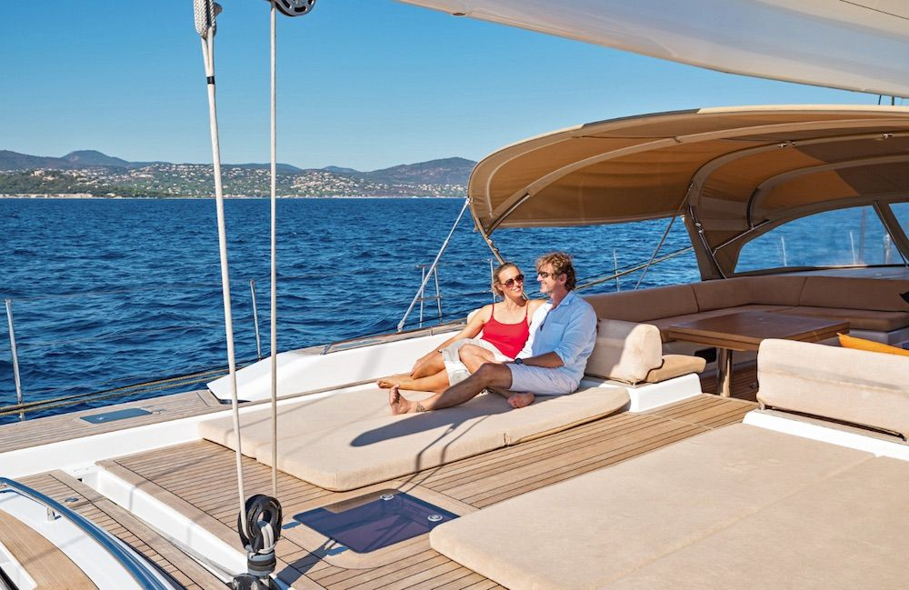 Boatbookings THALIMA Sailing Yacht Sunpads