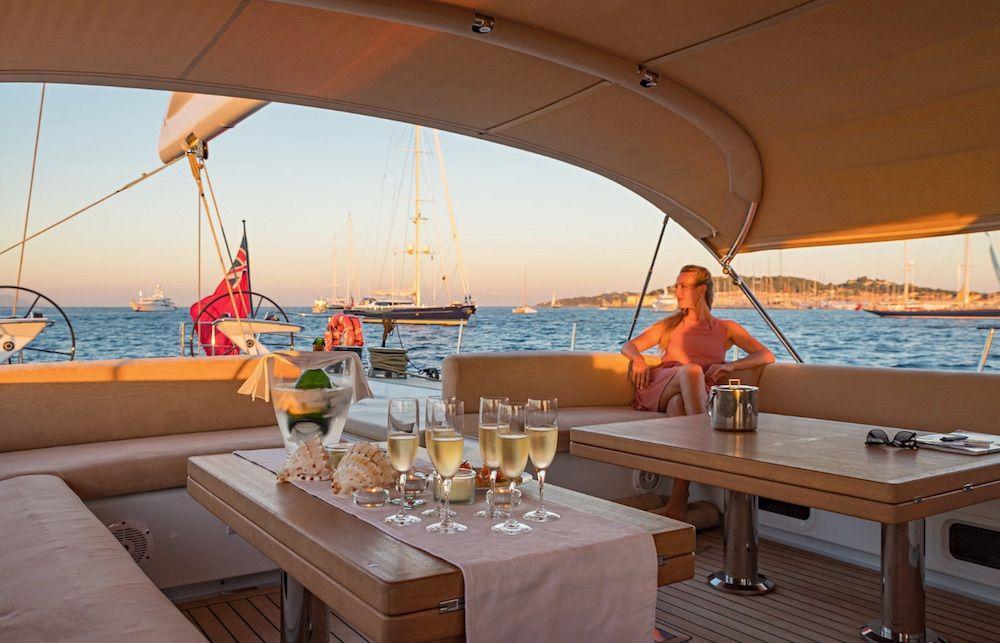 Boatbookings THALIMA Sailing Yacht Champagne