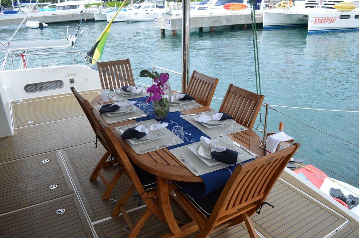 THE ANNEX Leopard 58 Crewed Catamaran Aft Deck Dining
