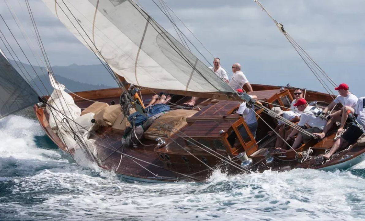 THE BLUE PETER Classic Yacht Racing
