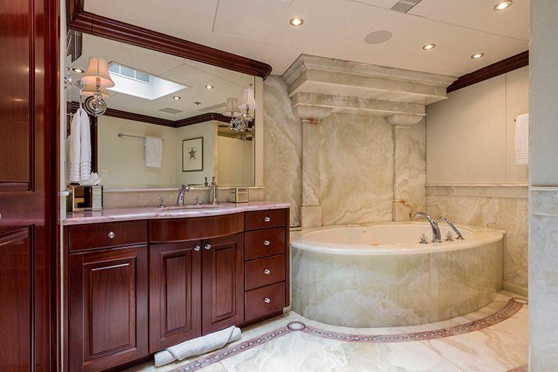 THREE FORKS Christensen 49m Guest Bathroom