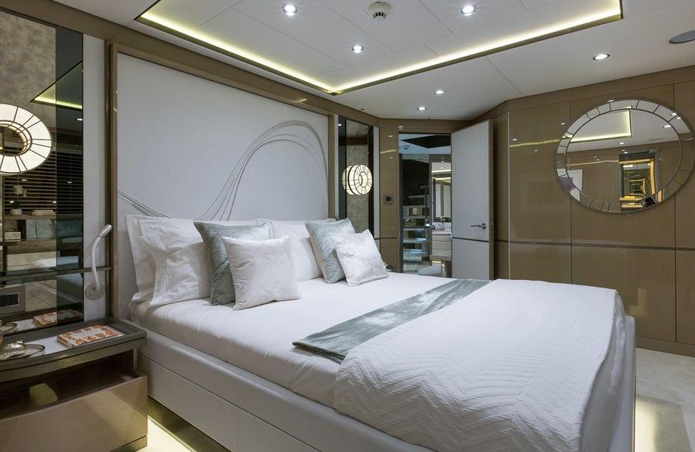 THUMPER - Sunseeker 40m - Guest Cabin