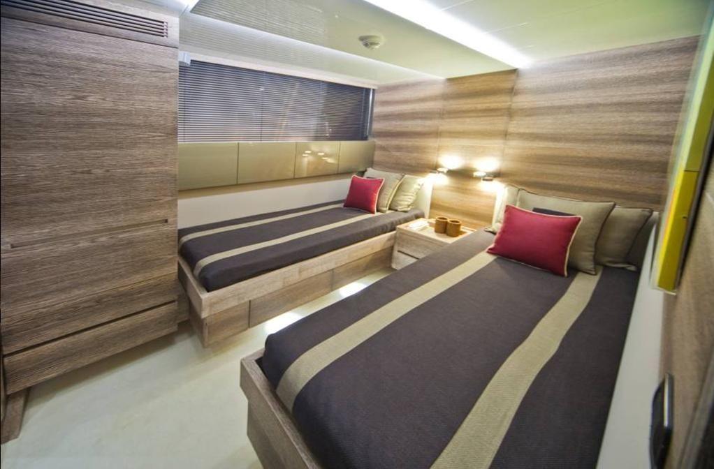 TOBY Cerri Flying Sport 102 Luxury Motoryacht Twin Cabin