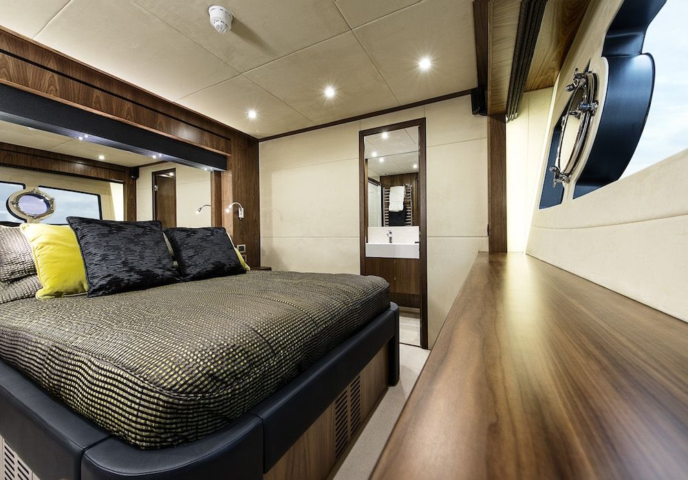 Sunseeker 28m Twenty Eight French Riviera VIP Cabin