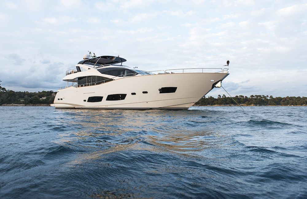 TWENTY EIGHT - Sunseeker 28m - 4 Cabins - Cannes - Monaco - St Tropez - French Riviera