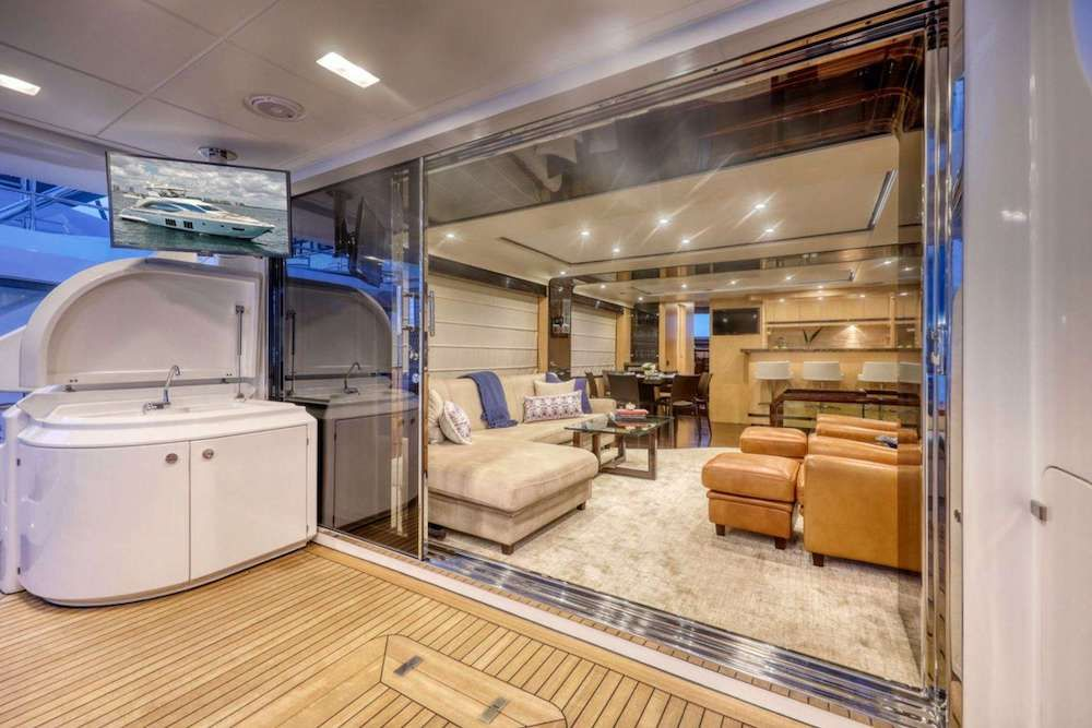 VALERE Azimut 84 Motor Yacht Aft Deck