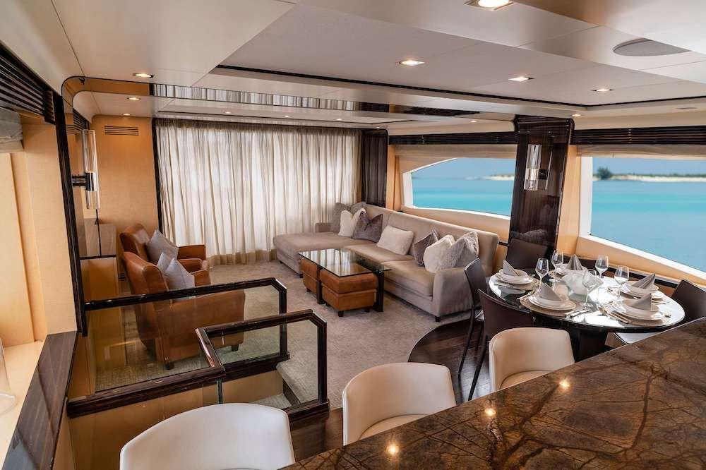 VALERE Azimut 84 Motor Yacht Saloon