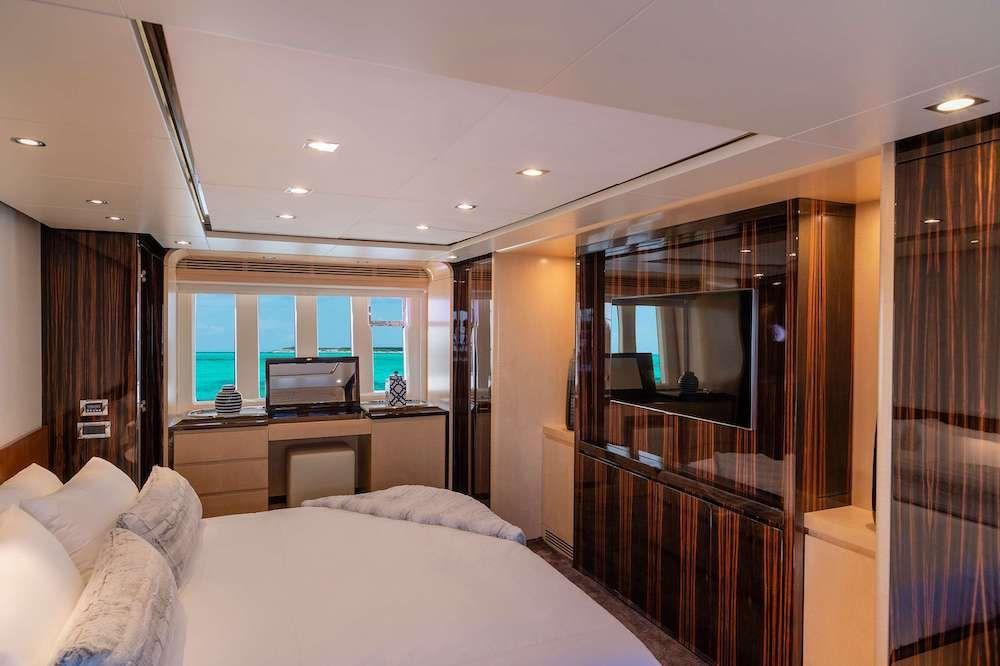VALERE Azimut 84 Motor Yacht Master