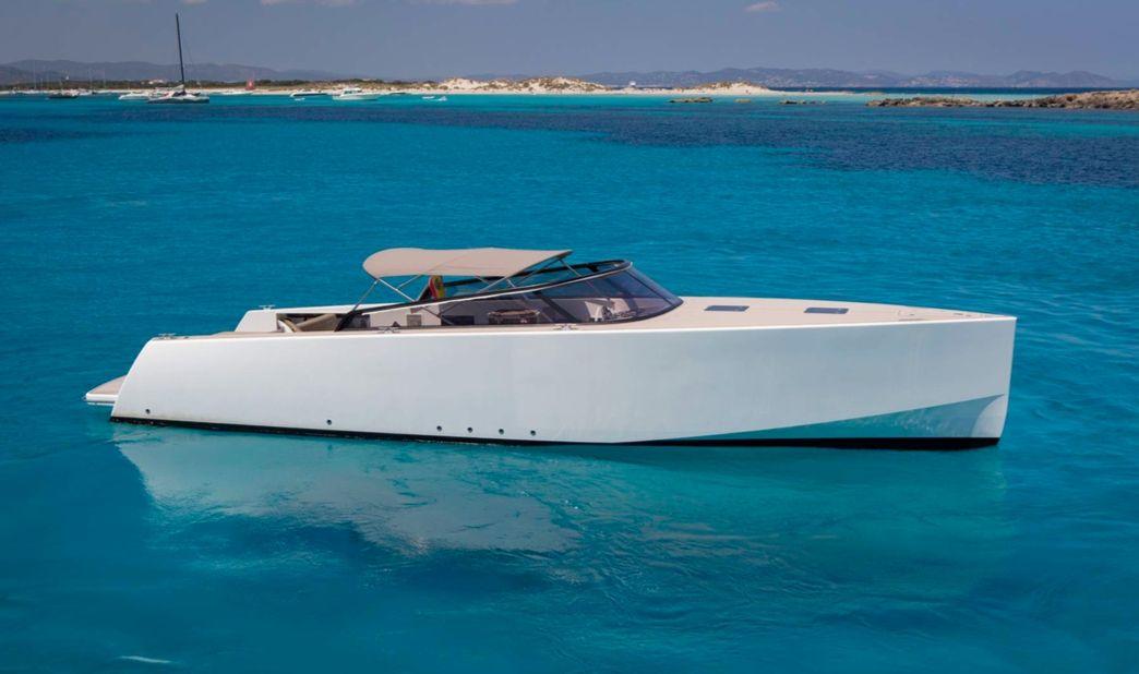 Van Dutch 40 - Day Charter for up to 9 people - VIP Marina Ibiza - Ibiza Port - San Antonio - Formentera
