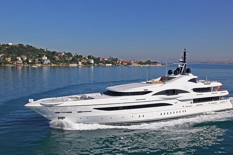Charter Yacht QUANTUM OF SOLACE - Turquoise 73m - 7 Cabins - San Remo - Monaco - Cannes