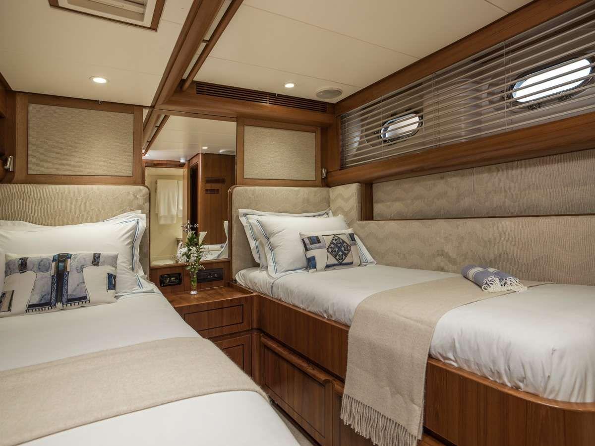 VIVID Jongert 2700M Cabin