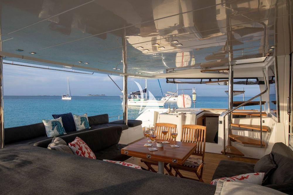 WHISPERS II Lagoon 560 Bahamas Dining