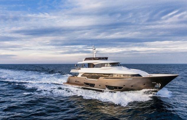 YVONNE - Ferretti Custom Line Navetta 28m - 5 Cabins - Monaco - Antibes - Cannes - St Tropez