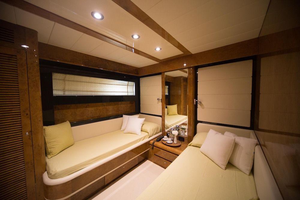 ZIA CANAIA Riva Yacht Twin Cabin