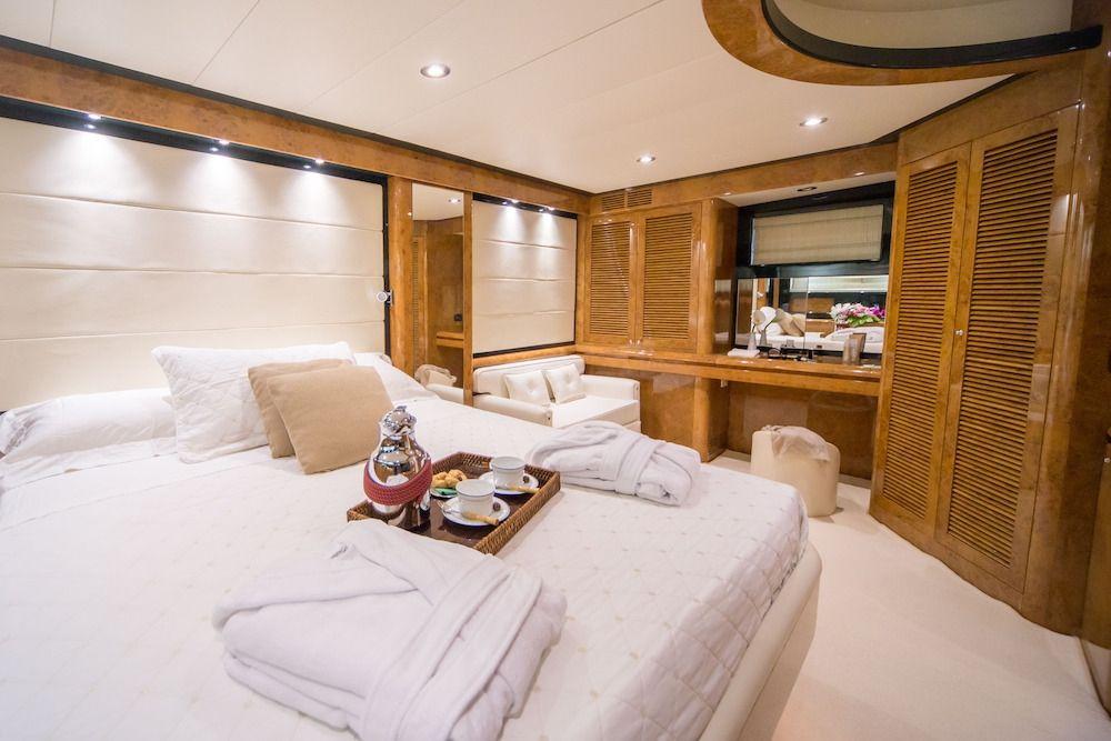 ZIA CANAIA Riva Yacht Cabins