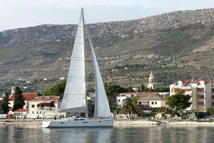Charter Yacht Hanse 540 - 3 Cabins - Trogir