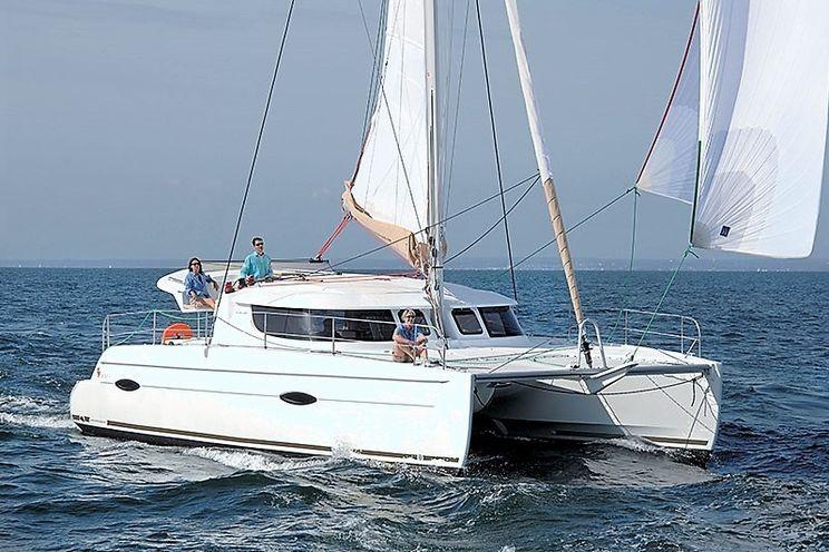 Charter Yacht SWING