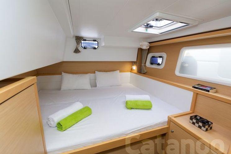 Charter Yacht CATANOO