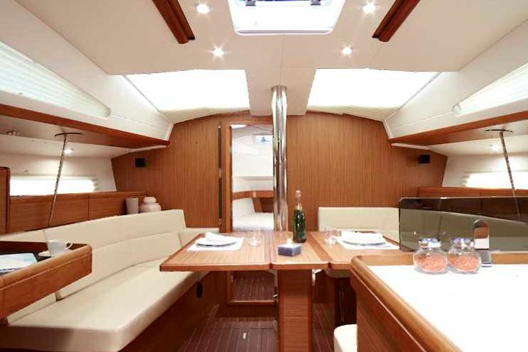 Charter Yacht ath42ds03