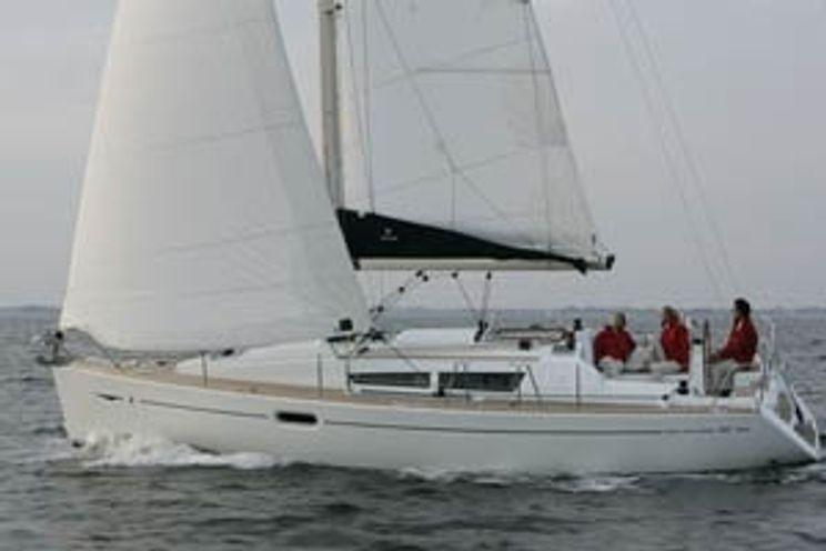 Charter Yacht Sun Odyssey 36i performance - 3 Cabins - Hyeres - France